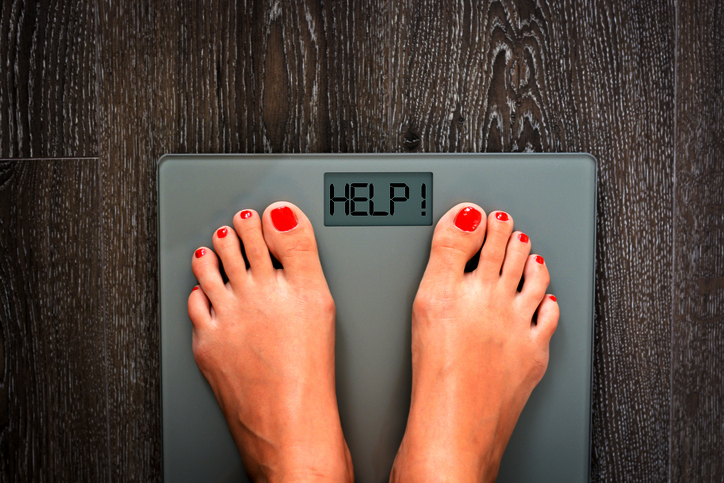weigh yourself to track weight loss